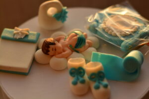 Figures of sugar paste